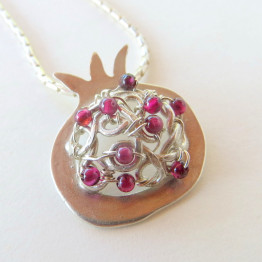 Pomegranate necklace with garnet (2
