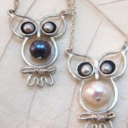 Silver owl with pearl necklace.Women necklaces