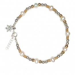 Pearls bracelet with silver and gold fields beads